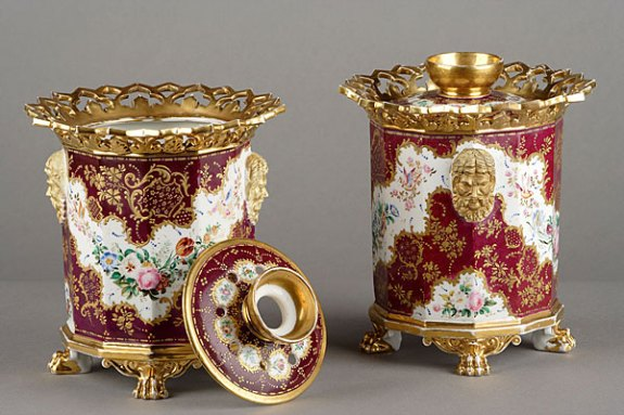 Red and Gold Potpourri Pair | Agraria