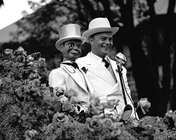 Edgar bergen (right) and Charlie McCarthy | Agraria