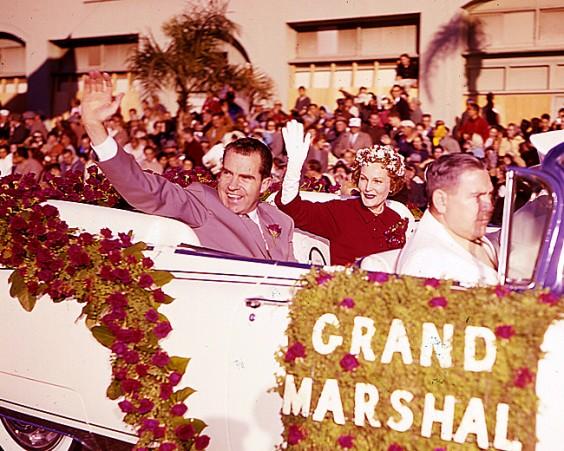 Richard and Pat Nixon in 1960   Agraria