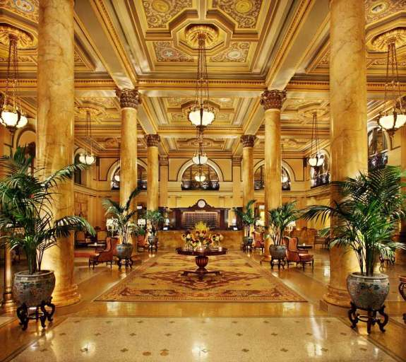The lobby as it is today at the Willard InterContinental Hotel.