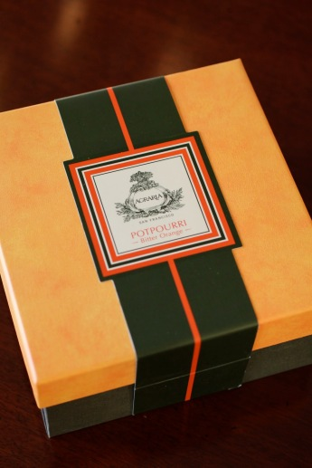 Agraria's handsome box for its Bittersweet potpourri
